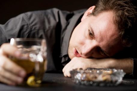 вылечить алкоголика